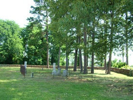 Nokomis cemetery with iron fence & pine trees  004